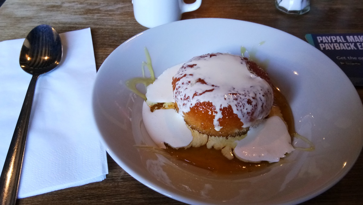 Englsih steamed sponge pudding and cream best pubs Southampton